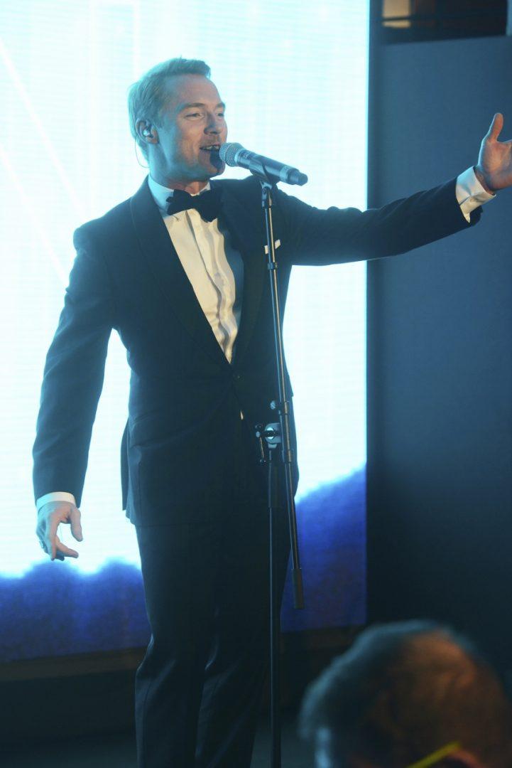 Ronan Keating performs during the Global Gift Gala 2015